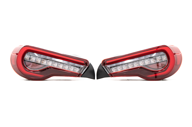 OLM OE Plus Linear Style Sequential Tail Lights (Clear)